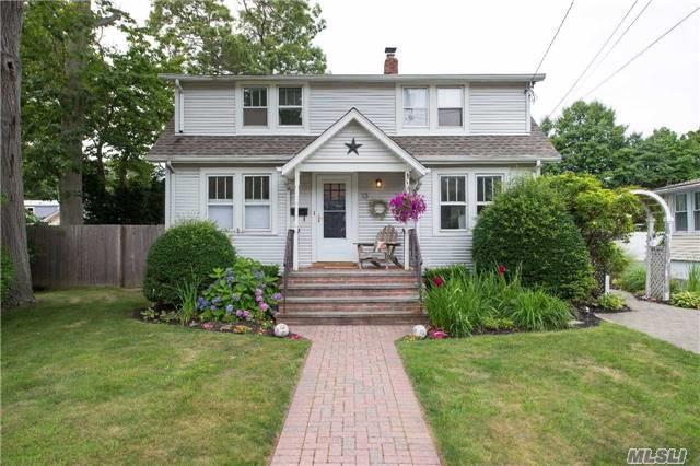 Residential, Cape - Islip, NY (photo 1)