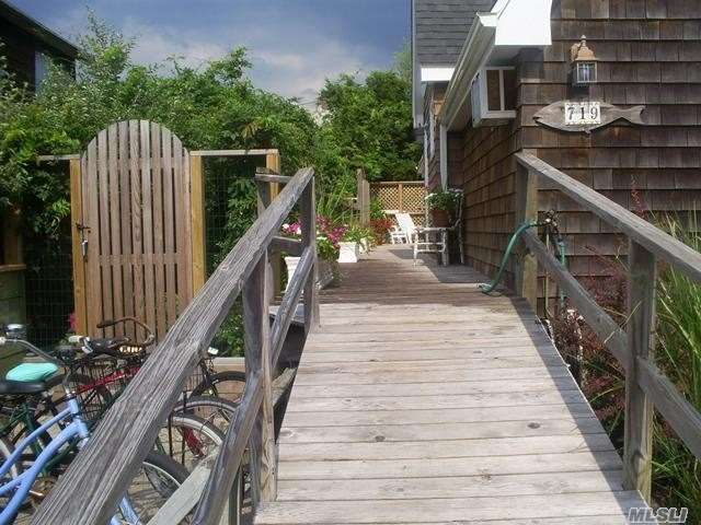 Single Family Residence, 2 Story - Ocean Beach, NY