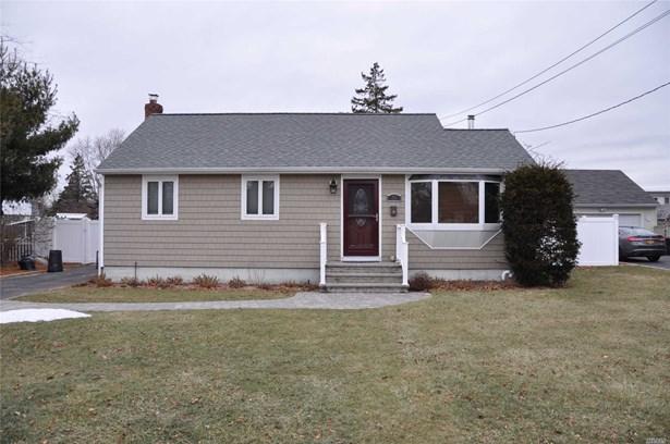 Rental Home, Ranch - East Islip, NY (photo 1)