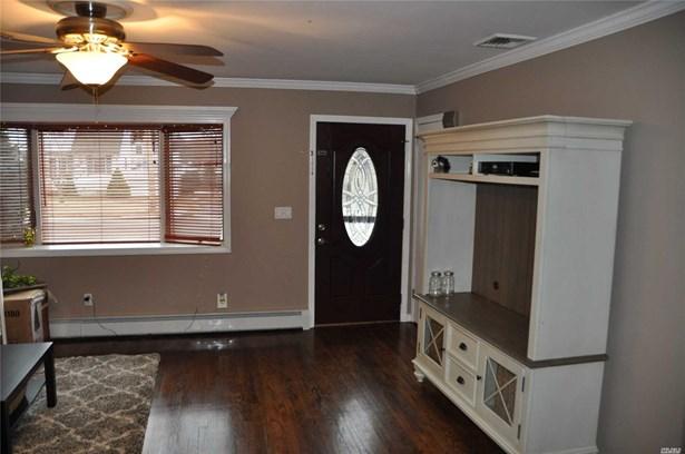 Rental Home, Ranch - East Islip, NY (photo 3)