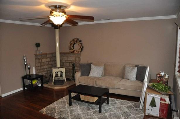 Rental Home, Ranch - East Islip, NY (photo 4)