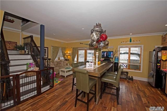 Residential, Colonial - Lindenhurst, NY (photo 2)