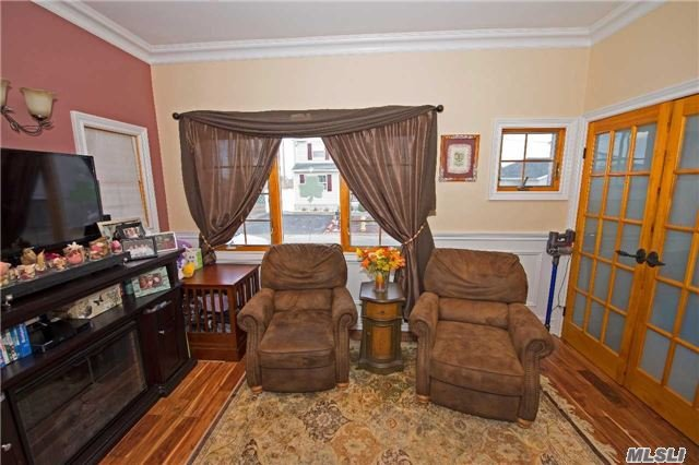 Residential, Colonial - Lindenhurst, NY (photo 5)