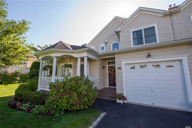 Residential, Homeowner Assoc - Bay Shore, NY