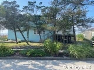 Split Level, Single Family Residence - Ocean Bay Park, NY
