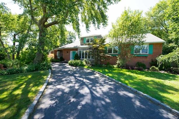 Residential, Ranch - Bay Shore, NY (photo 1)