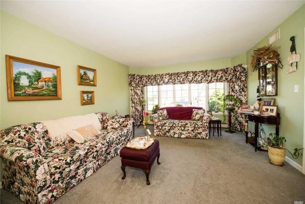 Residential, Ranch - Bay Shore, NY (photo 5)