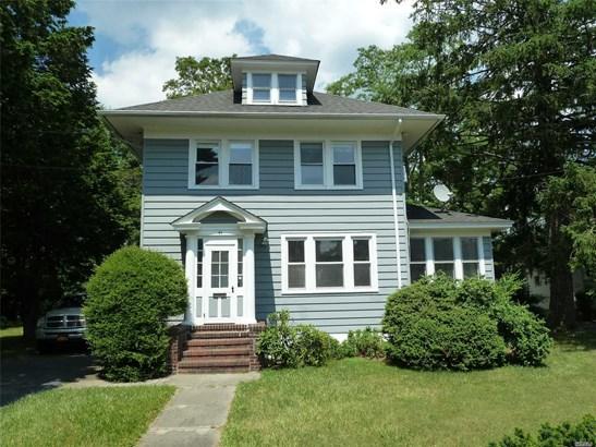 Residential, Colonial - Bay Shore, NY (photo 1)