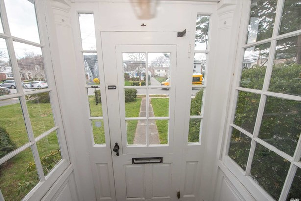 Residential, Colonial - Bay Shore, NY (photo 2)