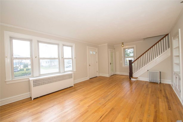 Residential, Colonial - Bay Shore, NY (photo 4)