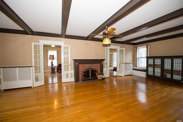 Residential, Colonial - Bay Shore, NY (photo 5)