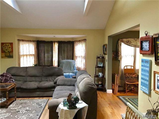 Residential, 2 Story - Central Islip, NY (photo 4)