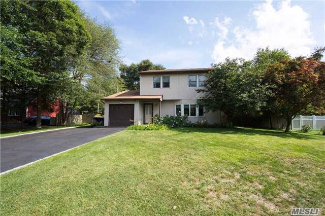 Residential, Colonial - Central Islip, NY (photo 2)