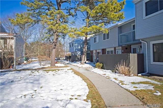 Residential, Condo - Holbrook, NY (photo 1)