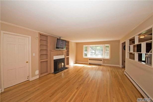 Residential, Exp Cape - Islip, NY (photo 3)