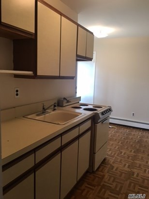 Rental Home, Apt In House - W. Babylon, NY (photo 5)