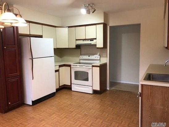 Rental Home, Duplex - East Islip, NY (photo 4)