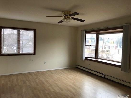 Rental Home, Duplex - East Islip, NY (photo 5)