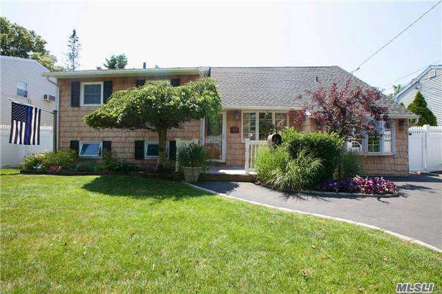 Residential, Split - Lindenhurst, NY (photo 2)