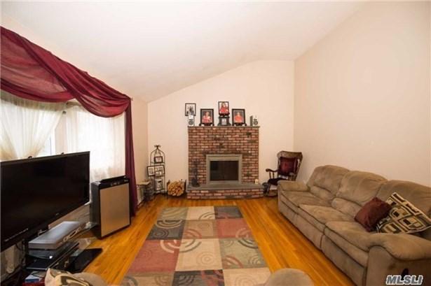 Residential, Split - Islip Terrace, NY (photo 4)