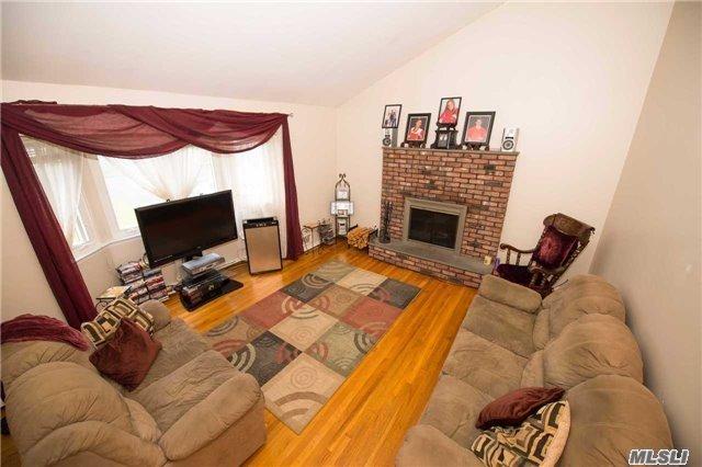 Residential, Split - Islip Terrace, NY (photo 5)
