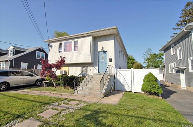 Single Family Residence, Hi Ranch - Bay Shore, NY