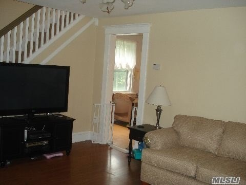 Residential, Colonial - East Islip, NY (photo 4)