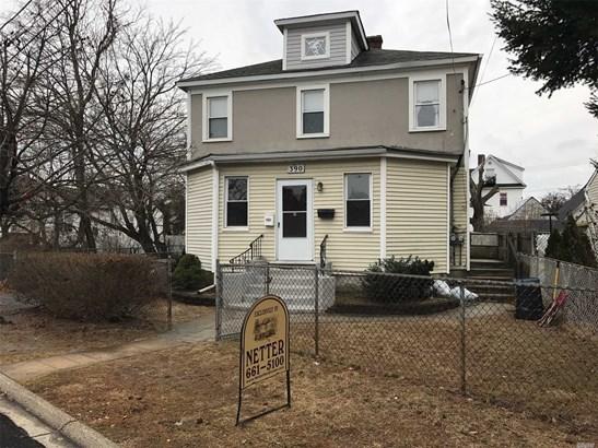 Colonial, Multi-Family - Copiague, NY (photo 2)