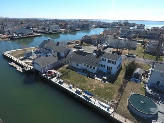 Residential, Exp Cape - Amityville, NY (photo 2)