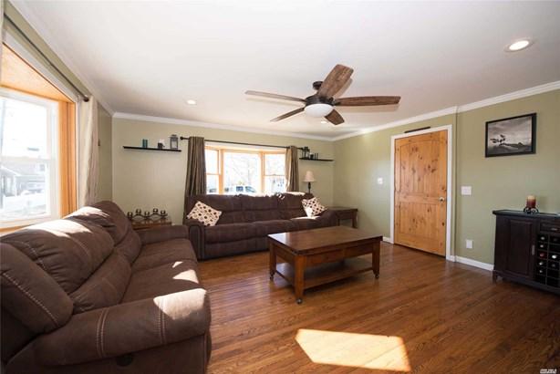 Residential, Exp Cape - Amityville, NY (photo 4)