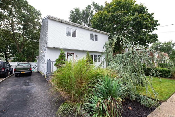 Residential, Colonial - Islip Terrace, NY