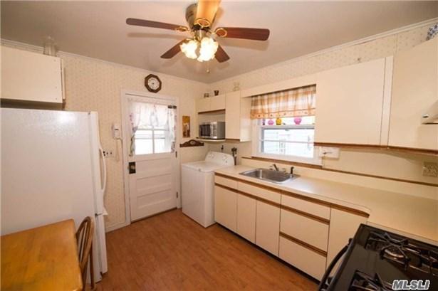 Residential, Cape - Bay Shore, NY (photo 3)