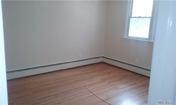 Rental Home, Apt In House - West Islip, NY (photo 5)