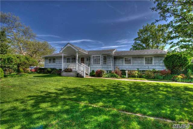 Residential, Ranch - West Islip, NY (photo 1)