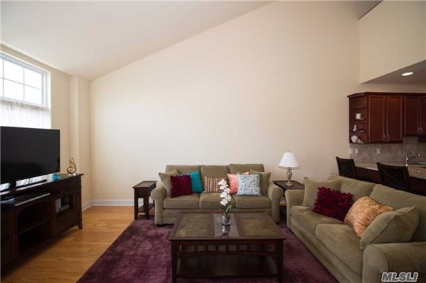 Residential, Condo - Patchogue, NY (photo 5)