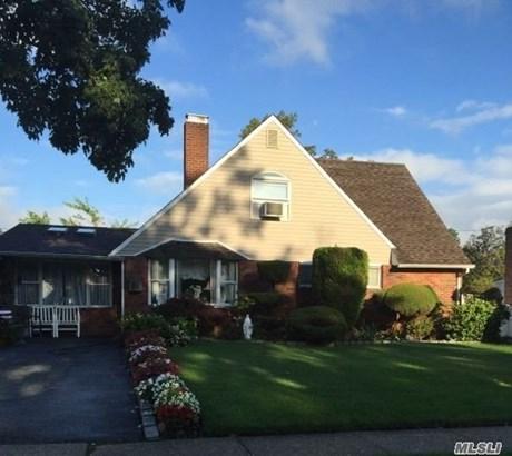 Rental Home, Cape - Hicksville, NY (photo 1)