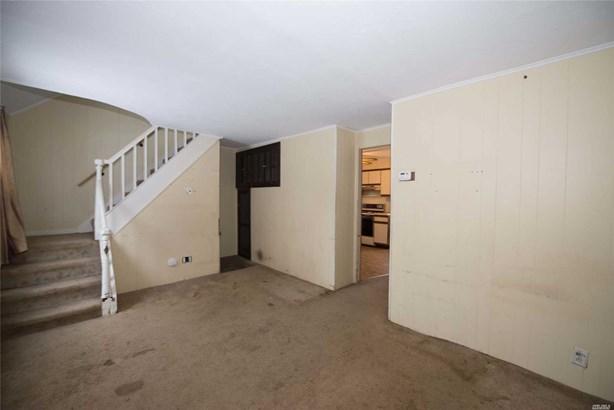 Residential, Cape - Lindenhurst, NY (photo 3)