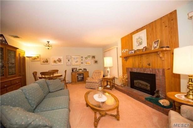 Residential, Ranch - Oakdale, NY (photo 5)