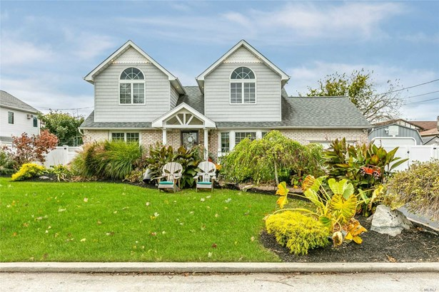 Residential, Colonial - Copiague, NY