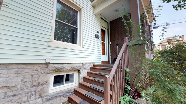 134 Concord Street S, Ottawa, ON - CAN (photo 1)