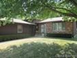 Tri-Level, Residential,Single Family Residence - Jacksonville, IL (photo 1)