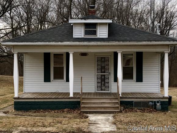 Bungalow, Residential,Single Family Residence - Thayer, IL (photo 4)