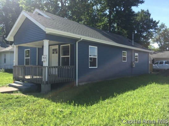 Ranch, Residential,Single Family Residence - Auburn, IL
