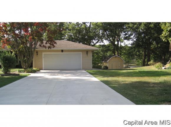 1 Story, Residential,Single Family Residence - Taylorville, IL (photo 4)