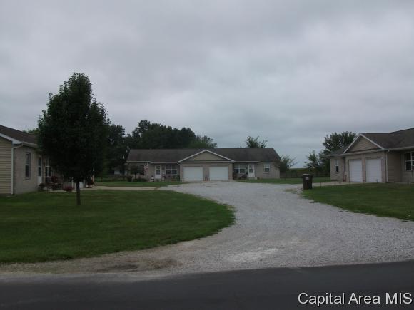 Duplex - Virden, IL (photo 1)
