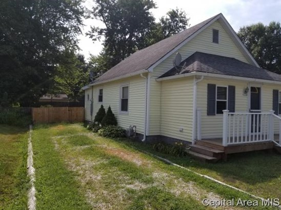Bungalow,1 Story, Residential,Single Family Residence - Girard, IL (photo 5)