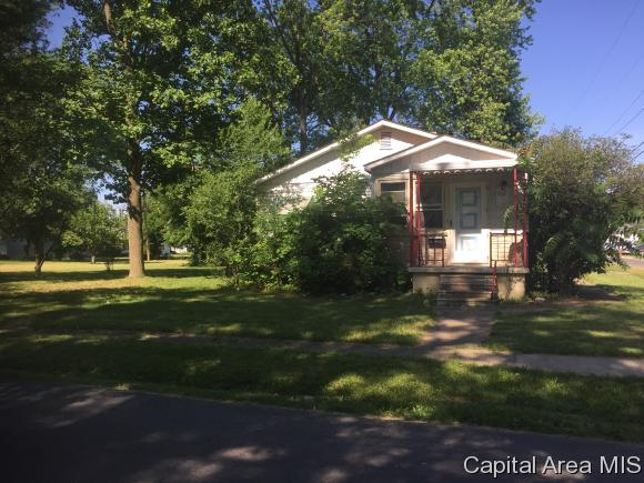 Bungalow,1 Story, Residential,Single Family Residence - Carlinville, IL (photo 1)