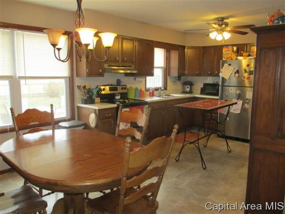 Ranch, Residential,Single Family Residence - Jacksonville, IL (photo 4)