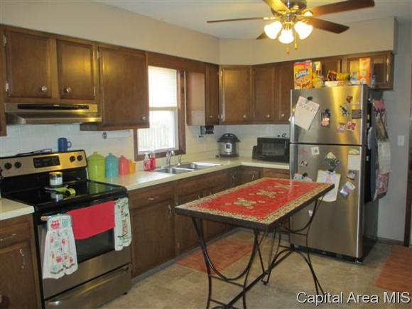 Ranch, Residential,Single Family Residence - Jacksonville, IL (photo 5)