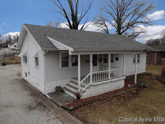 Bungalow, Residential,Single Family Residence - Virden, IL (photo 1)